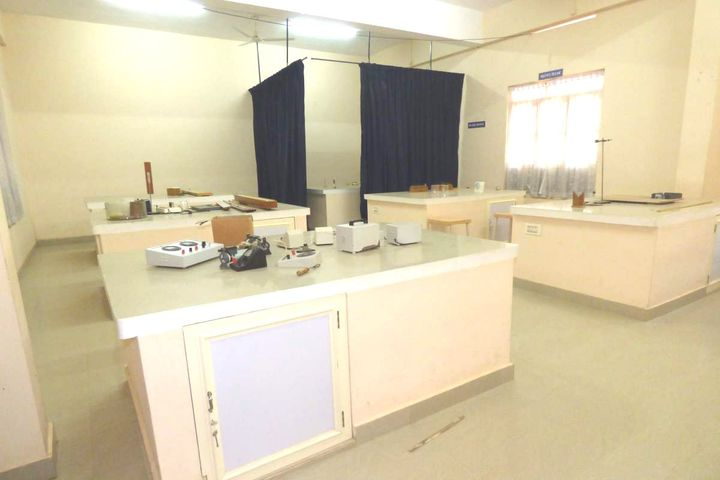 Karickam International Public School-Physics Lab