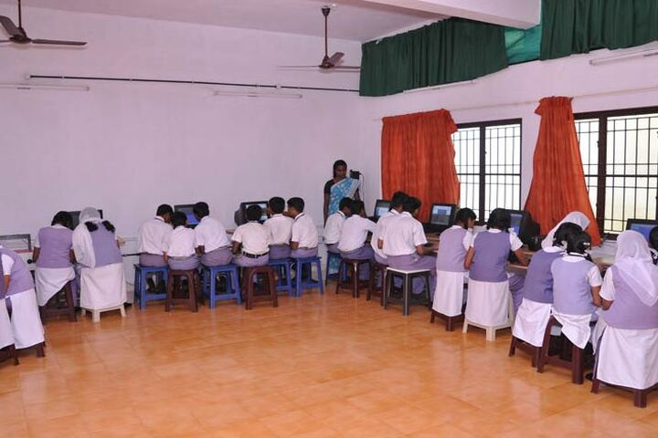 Kaviattu English Medium School-Computer Lab