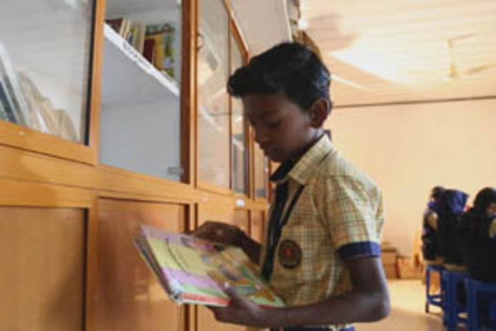 Koppam English Medium School-Library