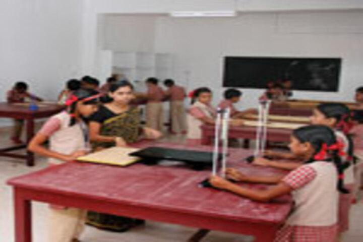 Kristu Raja Public School-Chemistry Lab