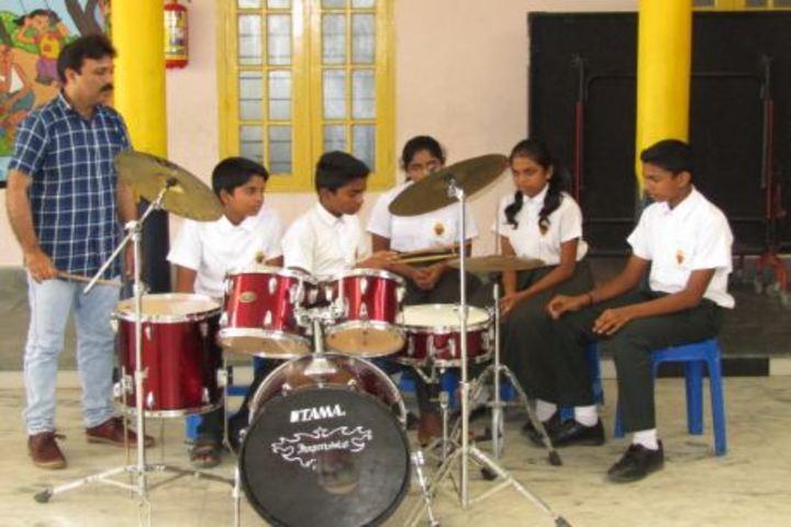 Lake Ford School-Music Room