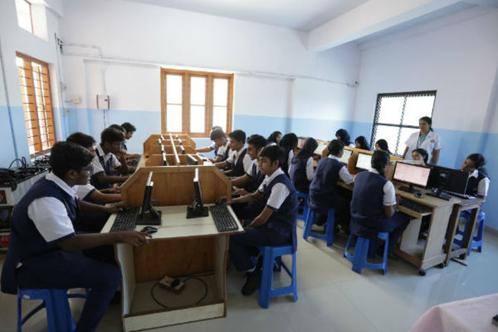 Mahatma Gandhi Memorial Model School-Computer Lab