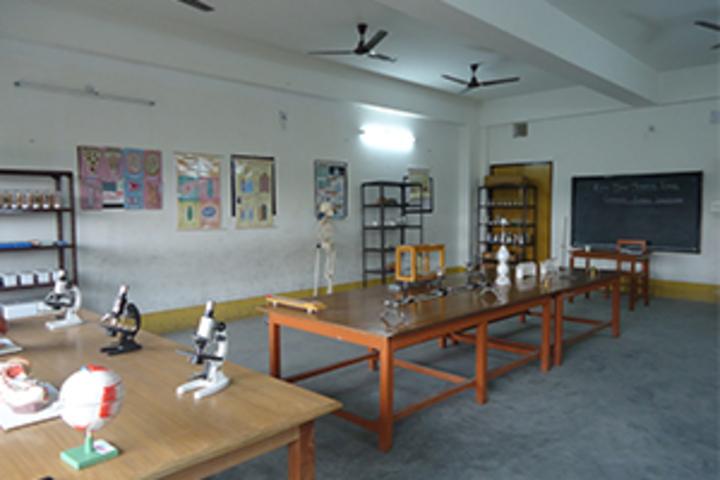 Najath English Medium School-Science Lab