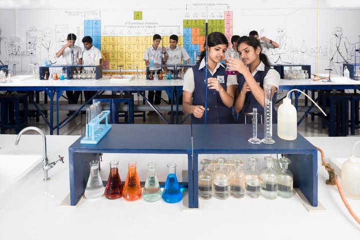 Nava Nirman Public School-Chemistry Lab