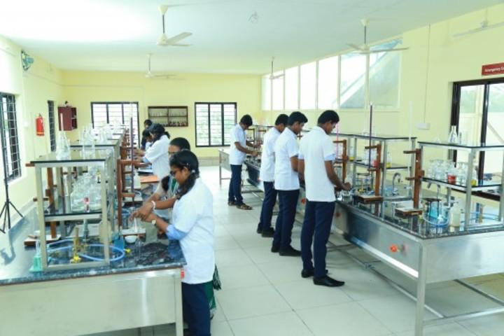 Oonianthala Eapen Memorial Public School-Chemistry Lab