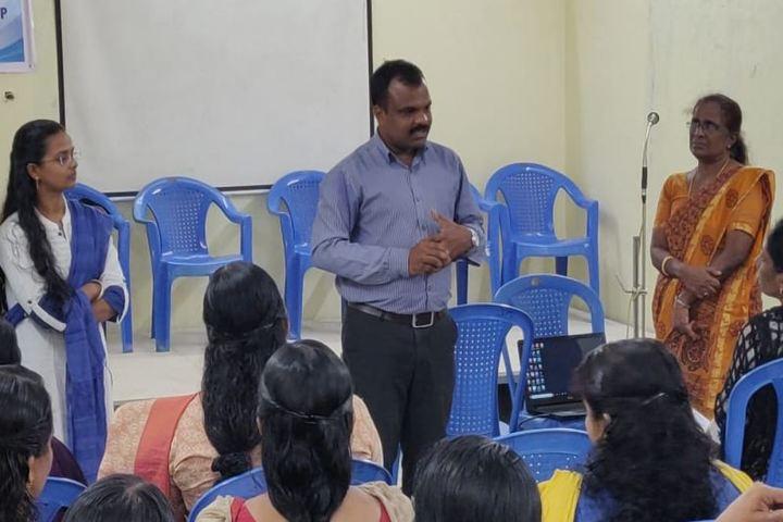 Oonianthala Eapen Memorial Public School-Workshop For Teachers