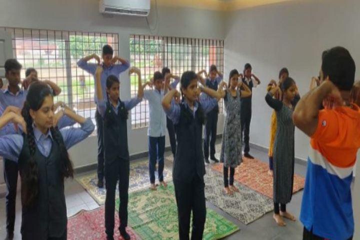 Oonianthala Eapen Memorial Public School-Yoga Day