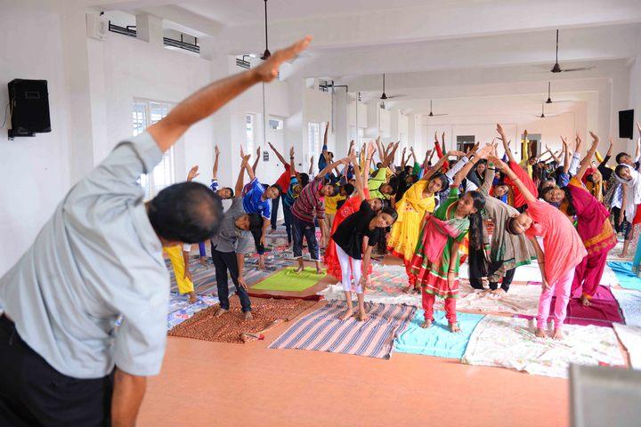 Parakkottil English Medium School Malappuram-Yoga Day