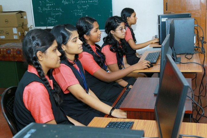 Rajashree S M Memorial School-Computer Lab