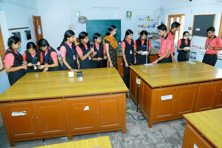 Rajashree S M Memorial School-Physics Lab