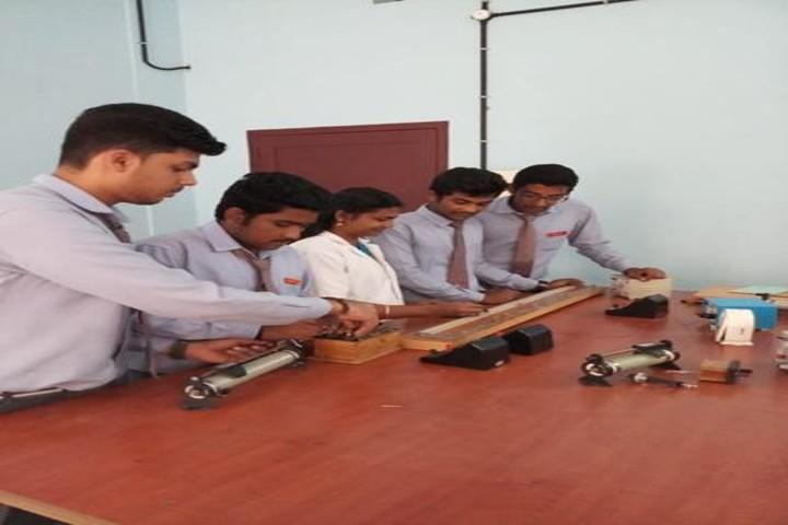 Sree Meenakshi Devaswam Public School-Physics Lab