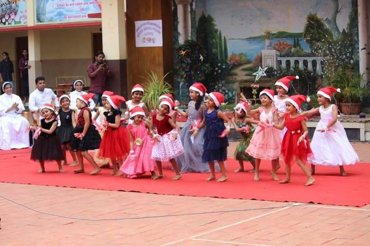 Sacred Heart English Medium School-Dance