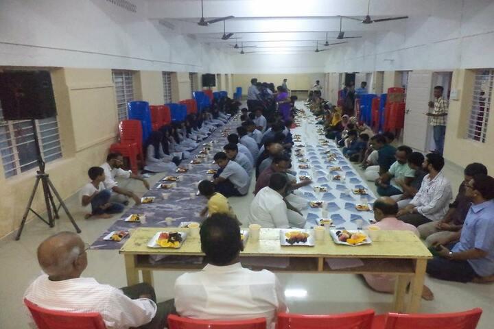 Sir Syed English School-Food Day