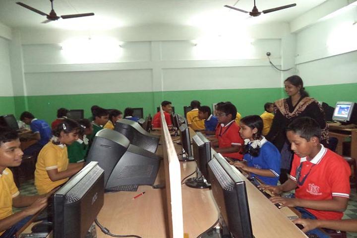Saint Capitanio School- Computer Lab