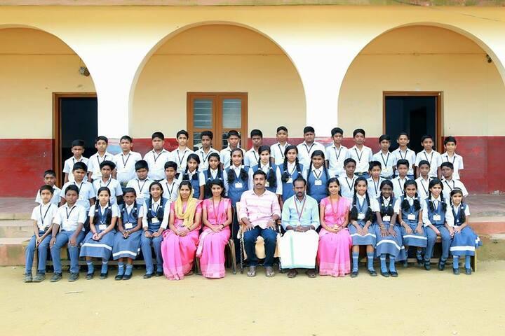 Sree Narayana Trusts Central School-Group Photo
