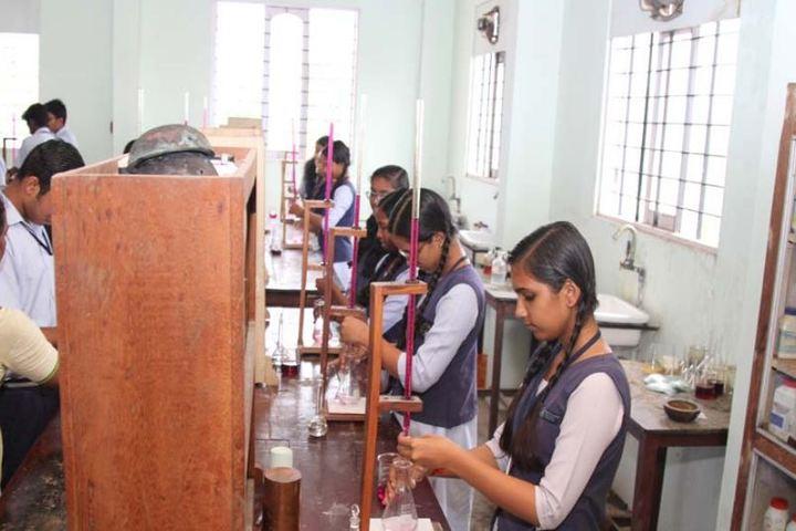 Sree Narayana Vidyapeetam Public School-Chemistry Lab