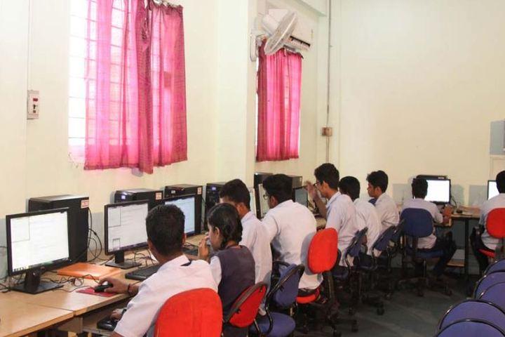 Sree Narayana Vidyapeetam Public School-Computer Lab
