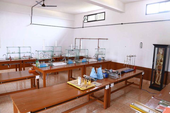 Sree Ramakrishna Vidyanikethan Public School-Biology Lab