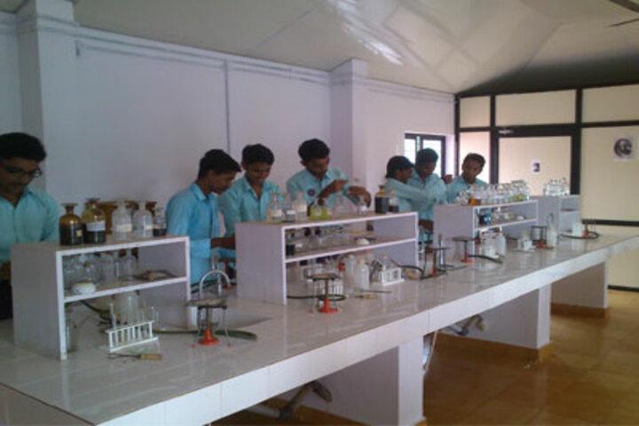 Sree Sankara Vidya Peedhom English Medium School-Chemistry Lab