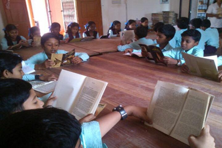 Sree Sankara Vidya Peedhom English Medium School-Library