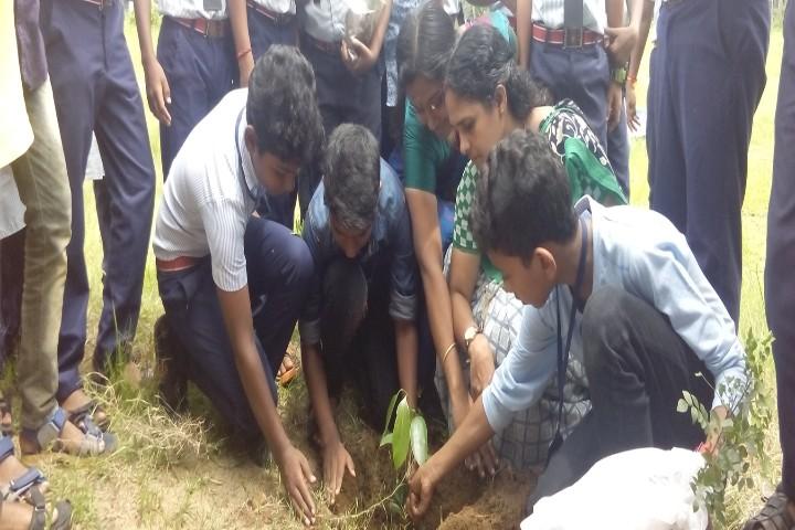 Sreenarayana Vidyaniketan Central School plant day