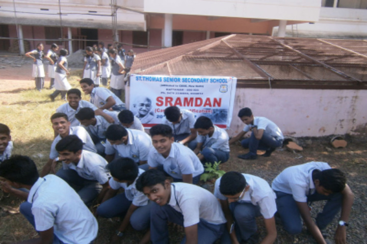 St Thomas English Medium School-Sramdan